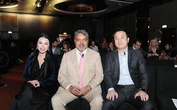 余晚晚及LVMH、山东如意、Farfetch、连卡佛等高管出席国际奢侈品峰会
